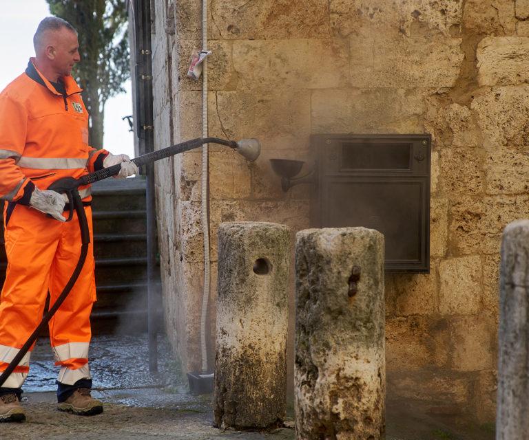 Igienizzazione, manutenzione e sostituzione cestini porta rifiuti