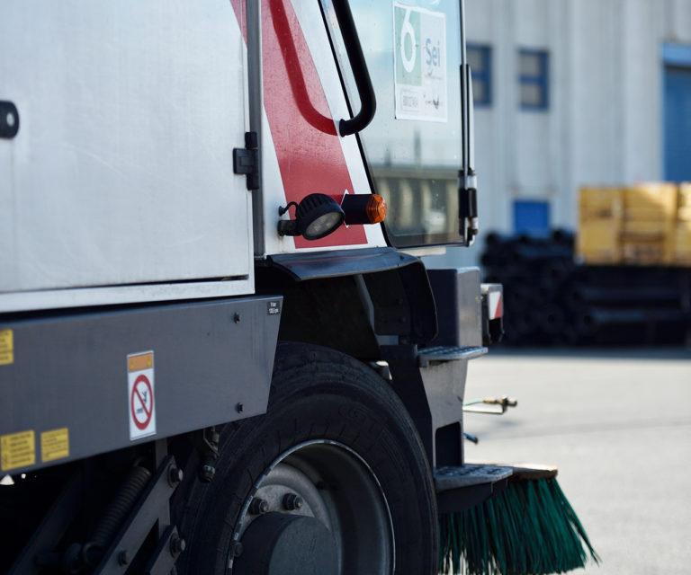 Cartellonistica stradale per il servizio di spazzamento e lavaggio strade