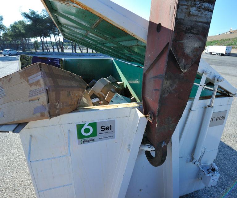Trasporti e raccolta con  cassoni scarrabili