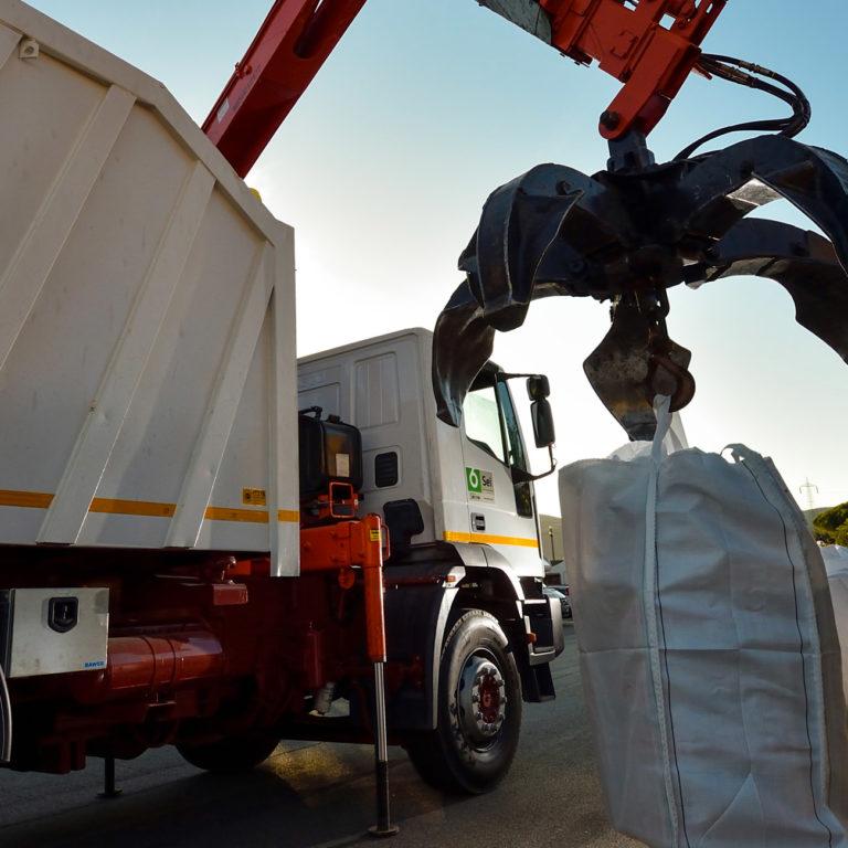 La gestione dei rifiuti speciali, pericolosi e non, in piena sicurezza