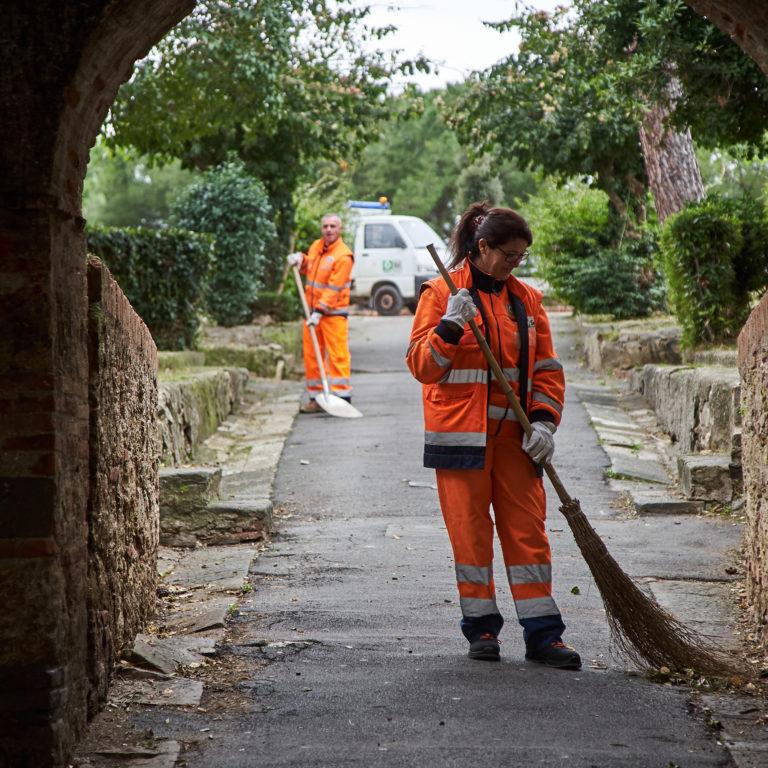 Aree verdi e parchi pubblici: i servizi di igienizzazione e pulizia di Sei Toscana nel pieno rispetto dell'ambiente e dei suoi cittadini